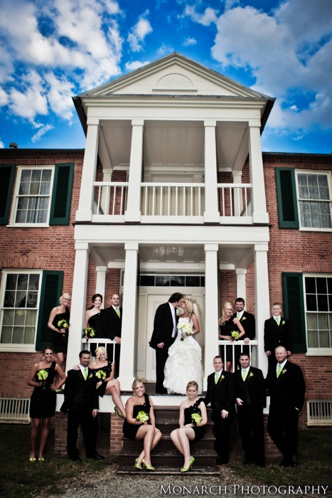 Jade And Zachary 39 S Bridal Party At Riverside Farnsley Moremen Landing In Louisville Kentucky