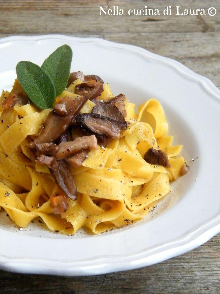Tagliatelle ai funghi porcini   -   #pasta #recipe #ricetta #food #tagliatelle #mushroom #porcini