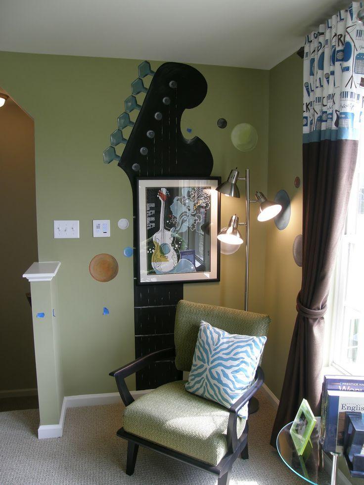 Best 25 guitar bedroom ideas on pinterest music decor for Music bedroom designs