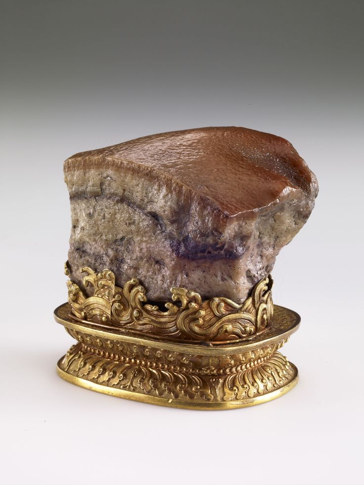 This artifact from the Qing Dynasty, which resembles a piece of stewed pork — a Chinese delicacy — will be shown at the Kyushu National Museum in Dazaifu, Fukuoka Prefecture, for two weeks later this year. It will be on loan from the National Palace Museum in Taipei. | NATIONAL PALACE MUSEUM/KYODO