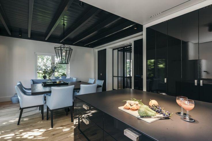 8 beste afbeeldingen van zwarte keukens modern keuken for Minimalistisch essen