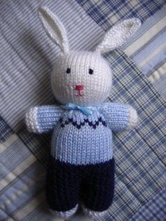 Peter Rabbit by Anny Purls, via Flickr HI COULD I HAVE TIS PATTERN FOR FREE PLEASE I MAKE ALL KINDS OF ITEMS THAT I DONATE AT X MAS TIME THANK YOU FOR YOUR HELP IF YOU KNOE OF OTHERS THAT WOULD LIKE TO HELP CAN YOU PLEASE THANK THEM FOR ME BY THE WAY I WILL RETURN A REPLY