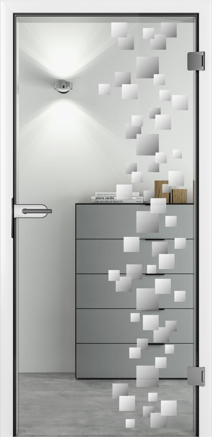 Unsere Glastür Cube mit mattem Motiv. Eine ideenreiche Spielart mit geometrischen Mustern.