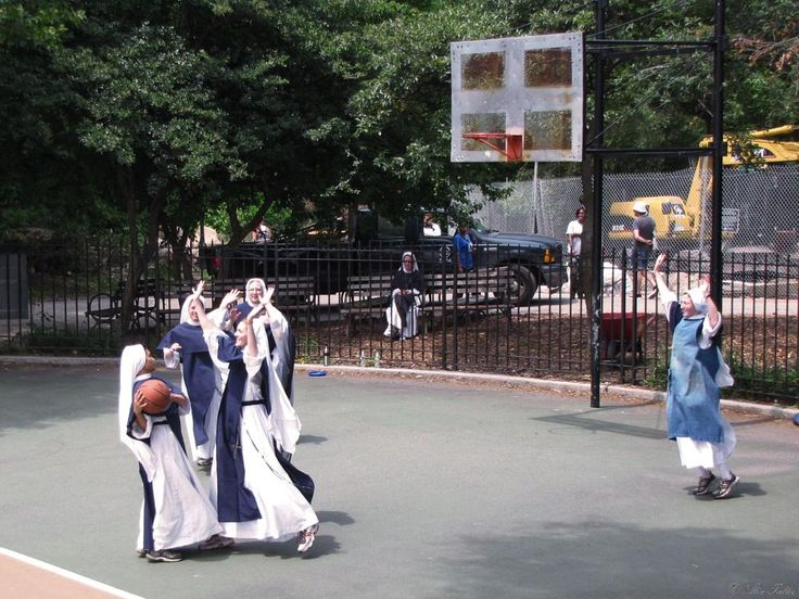 Basketball III or White Men Cannot Jump by  Alex Taller