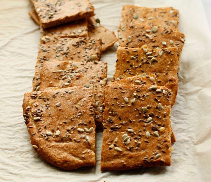 Gry´s lavkarbo: Lavkarbobrød i langpanne med mandelsmør og frø