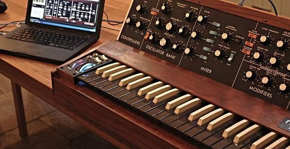 Minimoog Replica Controller by Paul McGeechan | Gearjunkies.com