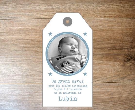 Faire-part naissance original avec motif scandinave vintage format tag étiquette américaine et typo machine à écrire - Cordelette de lin ou ruban satin