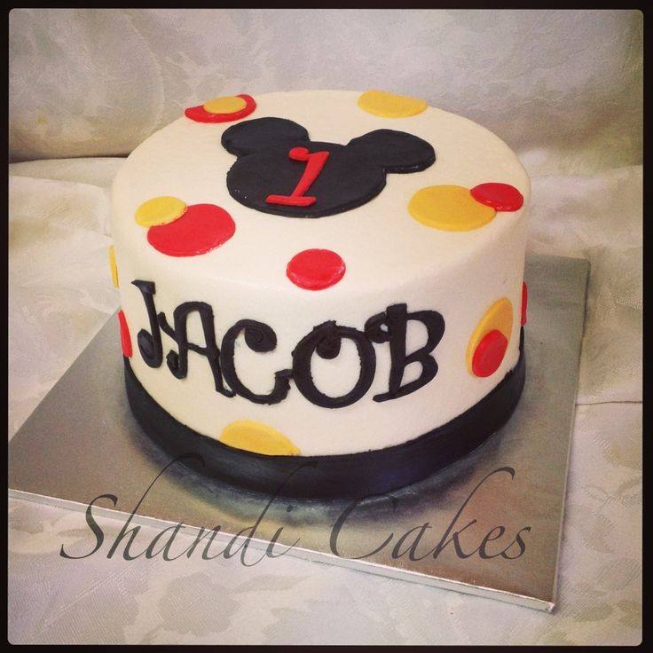 Mickey Mouse cake! By Shandi Cakesi would like one like this for Connors bday