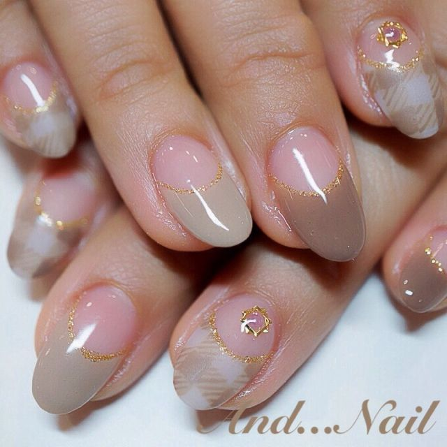 brown check nail