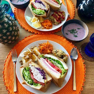 ハムレタスチーズトマトのサンドイッチ  自家製鶏ハムとさつまいもサラダ、レタストマト紫キャベツのサンドイッチ  野菜たっぷりのチーズオムレツ  キャロットラペ  日向夏のソルトシュガーナッツ和え  紫キャベツのポタージュ
