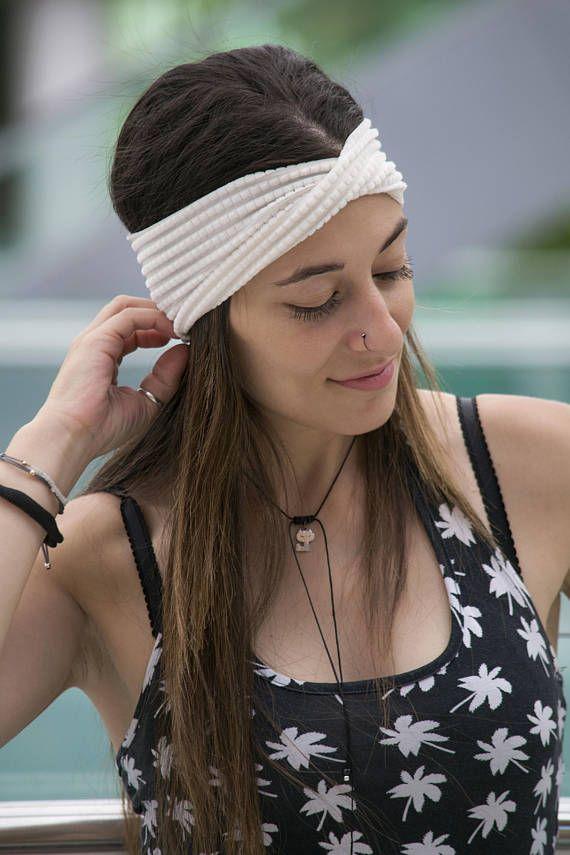 how to wear a turban headband with a bun