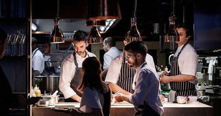 """La """"vanguardia transibérica"""" de la que habla el chef Henrique Sá Pessoa se traduce en la similitud por parte de cocineros españoles y portugueses de técnicas, obsesión por los sabores puros, el respeto al producto, evolución de las raíces y creatividad sin barreras."""
