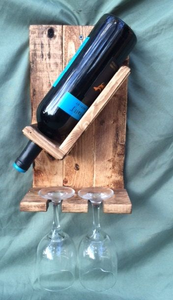 Artículos similares a 1 botella de vino bastidor y 2 portavasos en Etsy