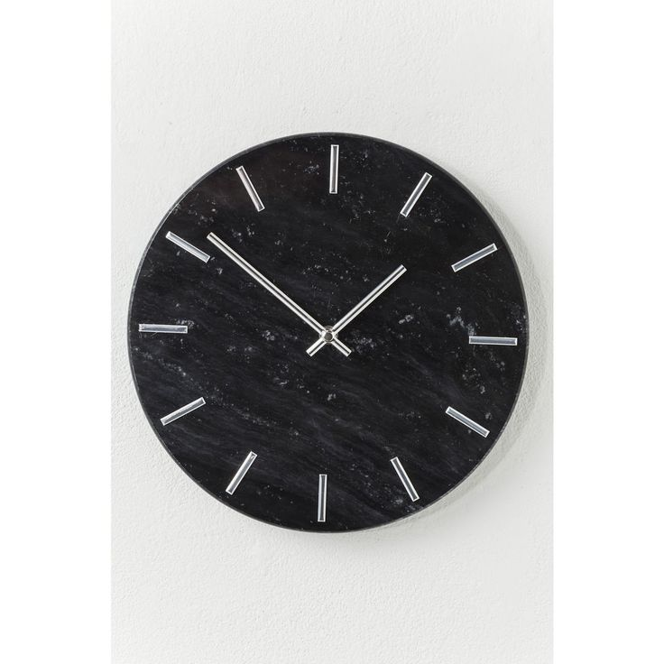 With beautiful deep black tones and a distinctive minimalist face, this marvellous marble wall clock makes for the perfect timepiece in any modern decor.