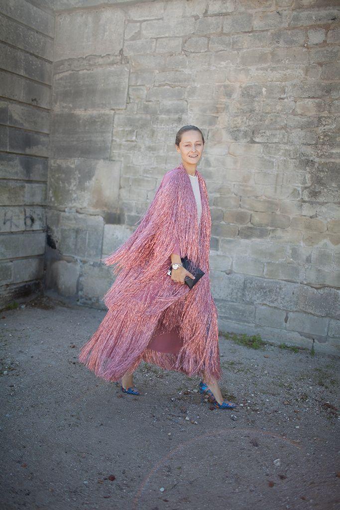 Paris Fashion Week street style // pink fringing