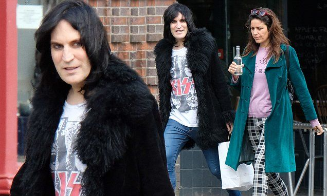 GBBO's Noel Fielding steps out with partner Lliana Bird | Daily Mail Online