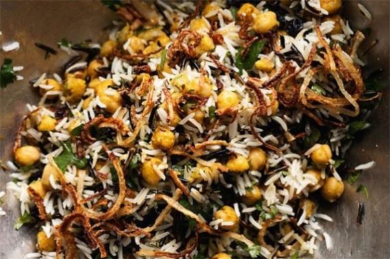 RECEPT. Basmati & wilde rijst met kikkererwten, krenten & ... - De Standaard