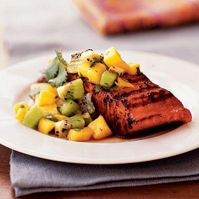 Experimente esta simples, deliciosa e super saudável receita de salmão  Samão com manga e kiwi.