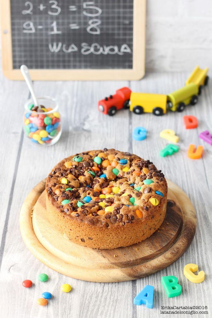 """La """"Torta Cookie"""" è uno di quei dolci strepitosi che farà felice chi, come me, non può vivere senza biscotti! La sua consistenza è unica..."""