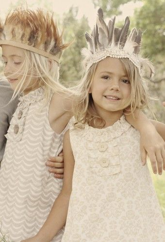 Cute DIY feather crowns