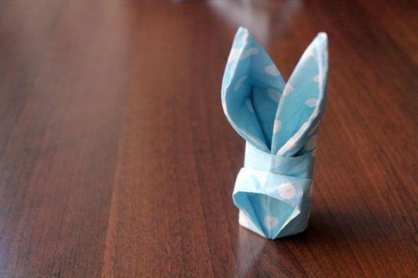 Servietten Falten Hasen Blaue Farbe Weiße Punkte