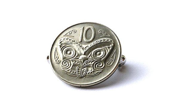 New Zealand, Coin brooch, Coin pin, Maori mask, Kiwi, Clothing accessory, Gift for him or her, Coin jewelry, Upcycled, Coins, Pins, Brooches