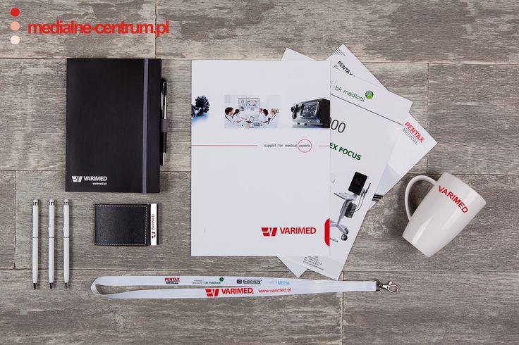 mockup, firma Varimed zestaw artykułów promocyjnych, sprzęt medyczny