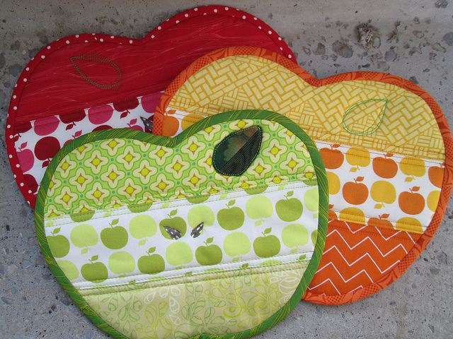 Apple Potholders | Flickr - Photo Sharing! Could be mug rug!:
