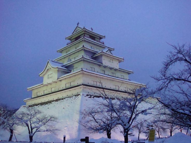 Aizuwakamatsu Castle (会津若松城 Aizuwakamatsu-jō), also known as Tsuruga Castle (鶴ヶ城 Tsuruga-jō) is a traditional castle in northern Japan, at the center of the city of Aizuwakamatsu, in Fukushima Prefecture. (via http://en.wikipedia.org/wiki/Aizuwakamatsu_Castle)