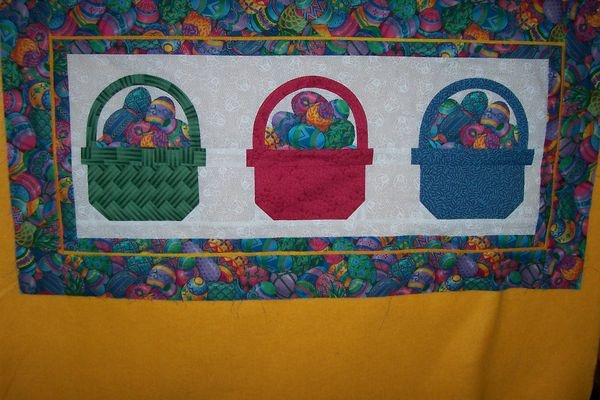 Easter Table Runner: Quilts Table, Holidays Tables, Easter Tables, Tables Runners, Patterns Close, Table Runners