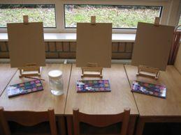 Ontwerpschema Om een idee te krijgen hoe je de activiteiten kunt verdelen, kun je hier een groepsplan/ontwerpschema downloaden. In de lege vakken kun je de namen van kinderen in je groep vermelden met het doel waarmee je het kind wilt begeleiden: groepsplan/ontwerpschema kunst in de klas Doel Een thema waar allerlei mogelijkheden in zijn. Je...  Lees meer »