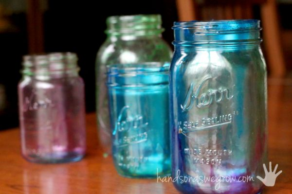 Learn how to tint mason jars, even a marbleized effect that the kids can make! These mason jars are a great homemade gift from the kids for Mother's Day!