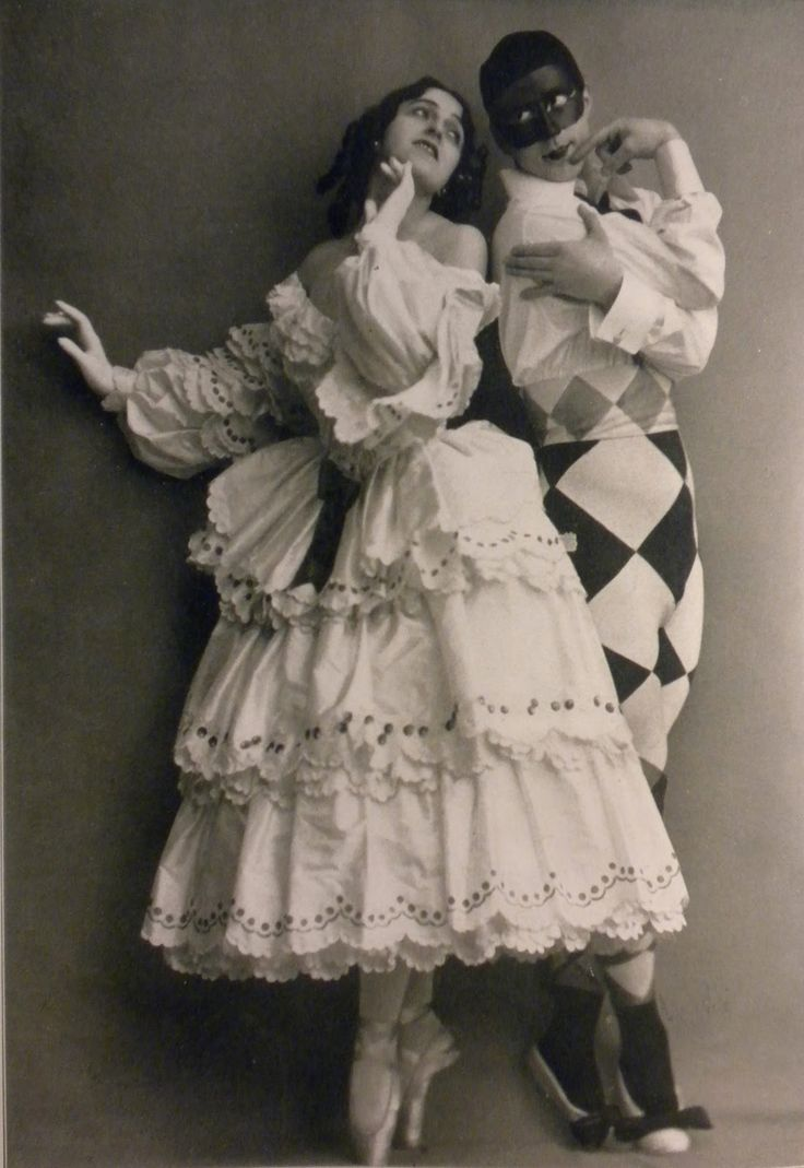 Russian ballet 20's