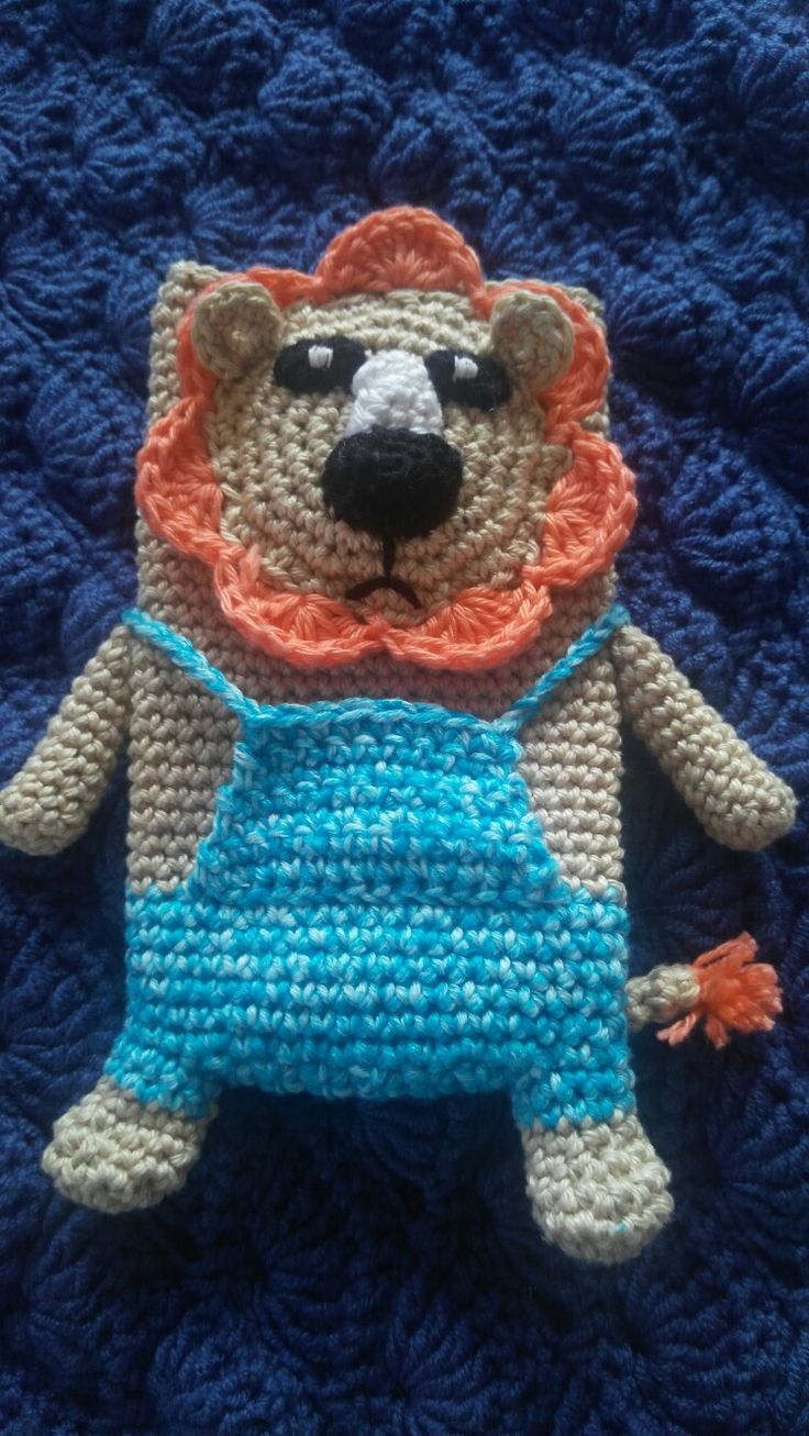 Crochet leon phone case