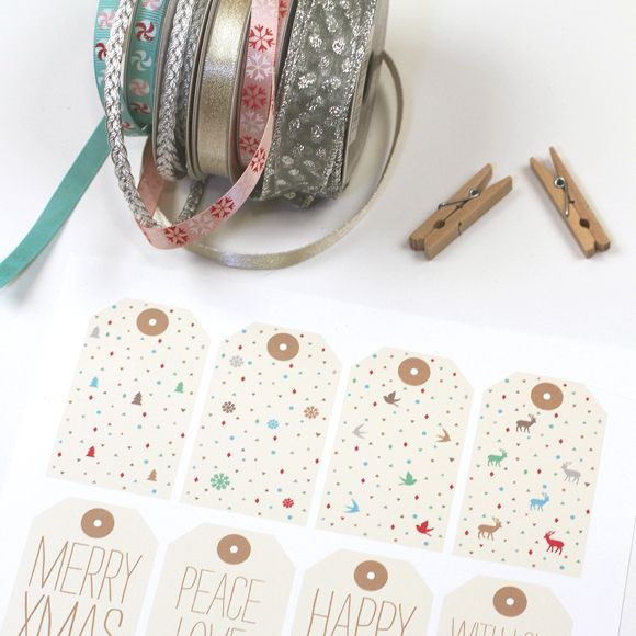 Holiday Gift Tags www.lovevsdesign.com
