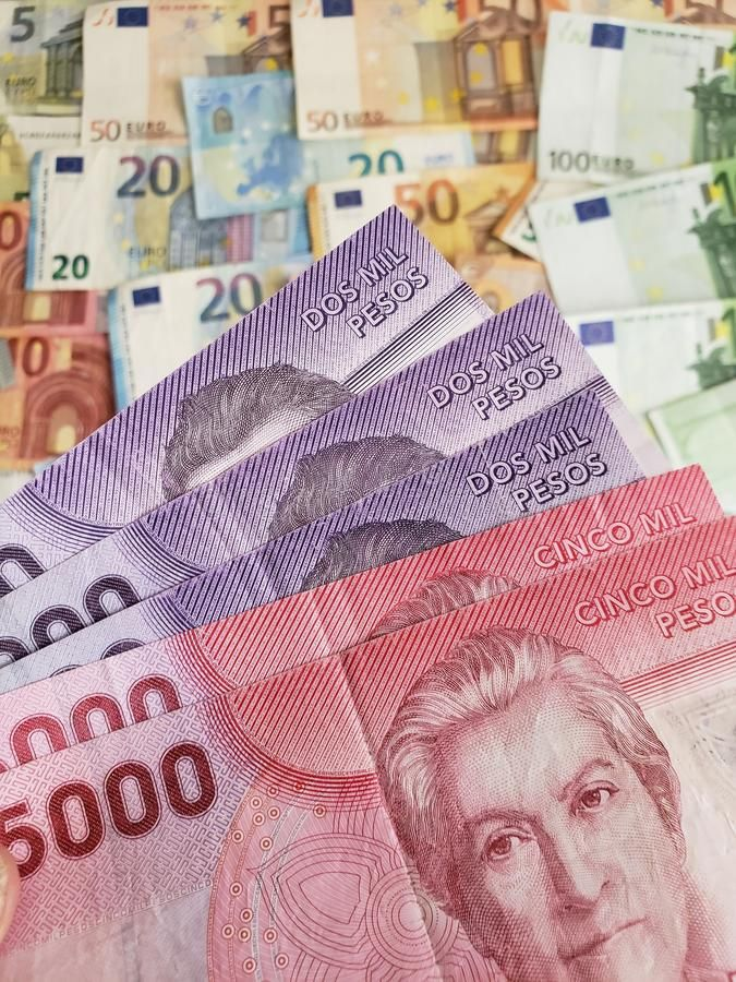 Chilean Banknotes And Euro Bills European Clp Peso Pesos Commerce Exchange Sponsored Peso Clp Pesos Exchange Commerce In 2020 Bank Notes Bills Euro