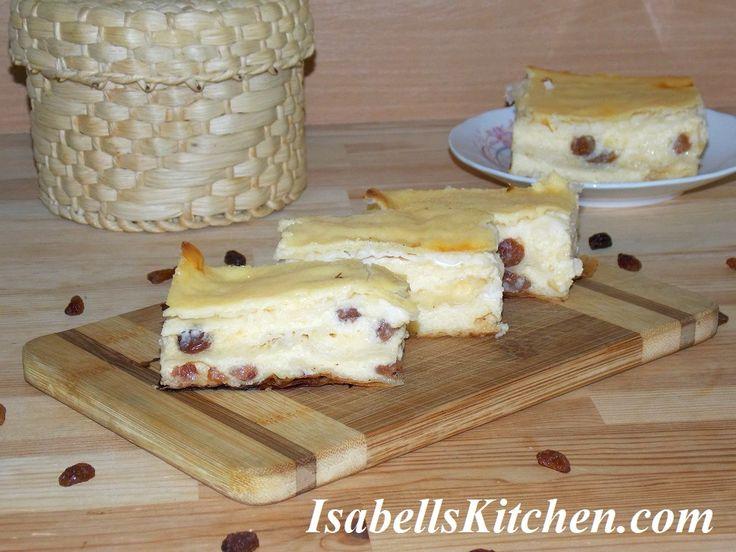 Yogurt pie with phyllo dough