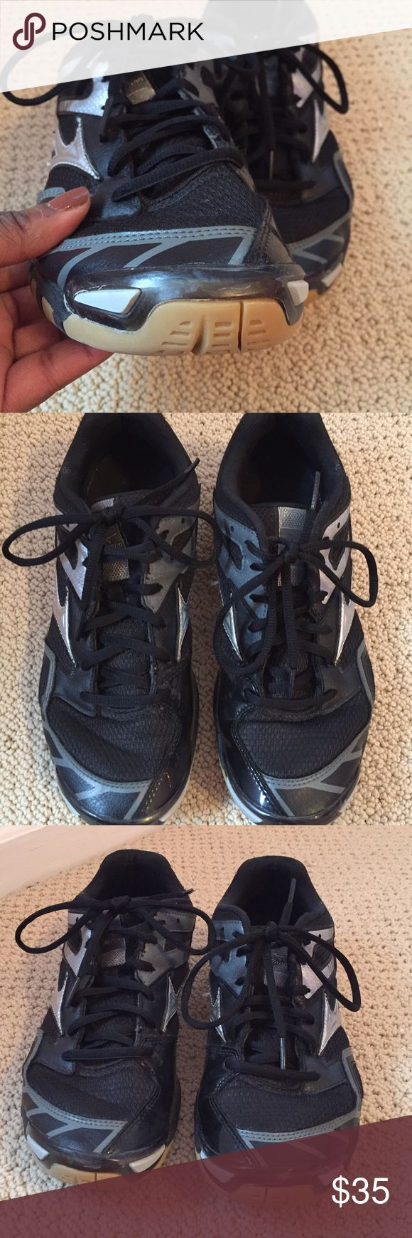 Mizuno volleyball shoes Volleyball shoes worn for two seasons, in good condition, no holes or tears, only some scuff marks near the toes. Mizuno Shoes Athletic Shoes