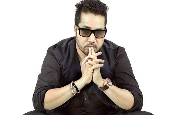 Do you love Mika Singh? #Mikasingh #bollywoodoops #Singer #cute