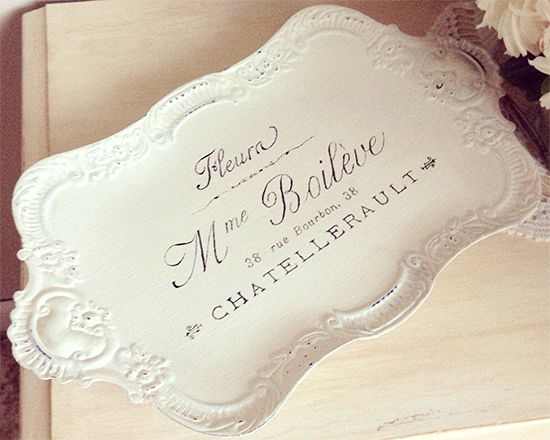Today's reader featured project is a Beautiful French Tray from Jessie who has an Etsy Shop called JM Finds and Designs! Jessie painted this little metal footed tray with
