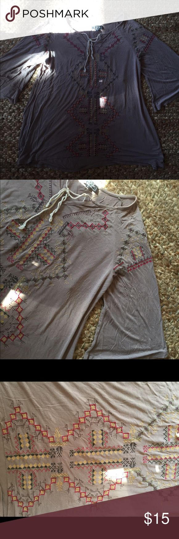 Log sleeve shirt Charcoal grey top with a tie in front. Aztec print. Flowy. Tops Tees - Long Sleeve