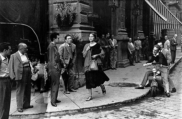 """""""american girl in italy"""" by ruth orkin"""