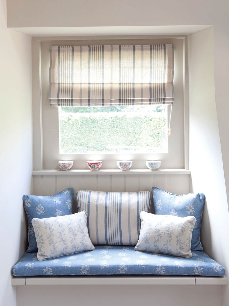 Best WINDOW SEATS Images On Pinterest Window Seats - Beautiful windows and love the window seat with blue white cushions