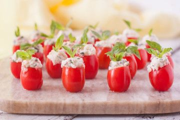 crab stuffed cherry tomatoes stuffed cherry tomatoes crabs cherries ...