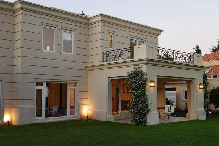 Vivienda en Country Club San Diego / CIBA Arquitectura (© Eugenio Valentini)