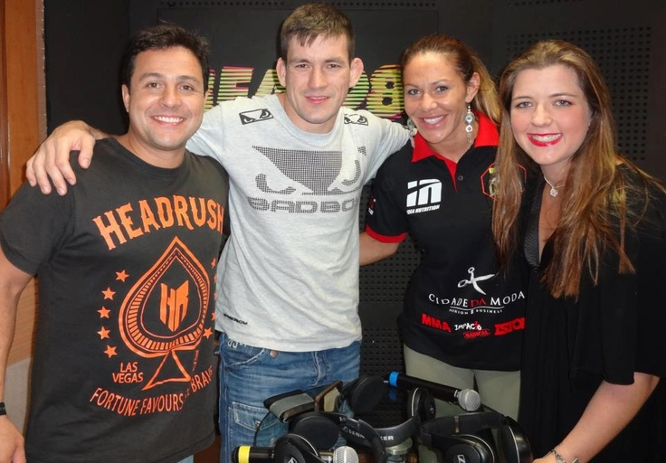 """Cristiane """"Cyborg"""" Santos foi convidada no programa especial de 1 ano Mundo da Luta da rádio Beat 98 junto com o lutador Demian Maia. #ufc"""