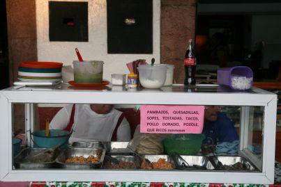 Street food in Messico per assaggiare le classiche quesadillas al pollo dorado — L'Estado de Mexico che ci incanta