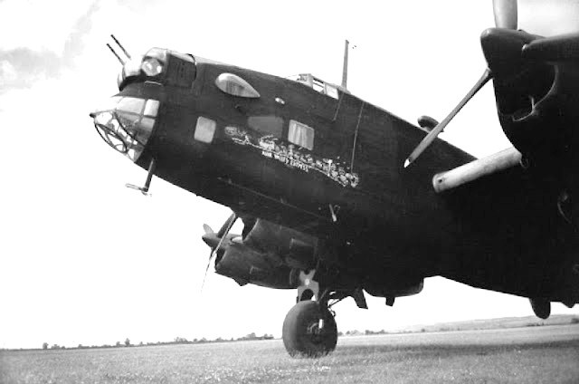 A Handley Page Halifax B Mark II with emblem on the nose: Nose Art, Handley, Halifax Bomber, Bomber Command, Coastal Command, Airplane Art, Command Aircraft, Halifax Nose, Training Paintings
