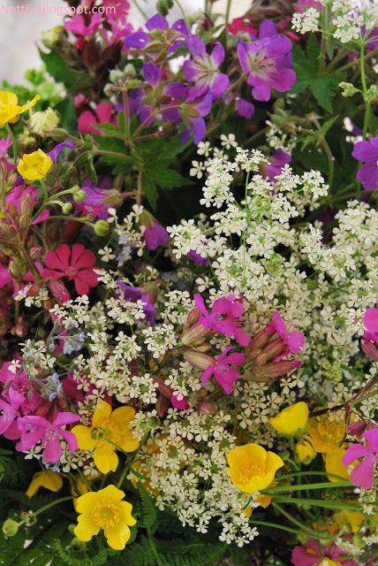 Huset på Hylla: En hærlig blanding med ville blomster♥