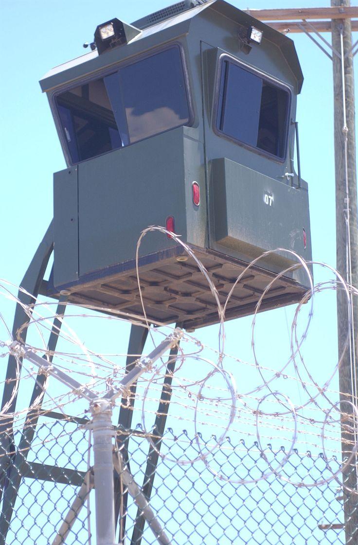 Guantanamo_guard_tower_-_new,_AC.jpg (1312×2000)